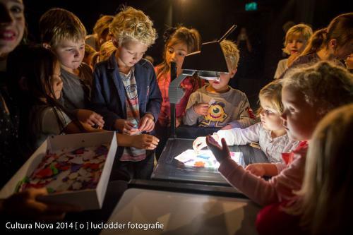 Cultura Nova 2014 - Malou van Sluis en Judith Sledens - In de verte - P140831F-104
